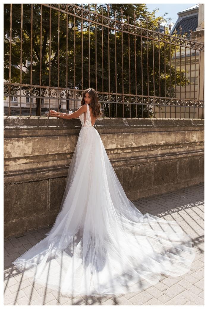 Aurelia dopinany tren w tej sukni ślubnej robi mega wrażenie